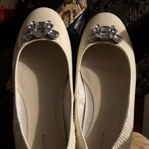 White flat shoes fr Nordstrom